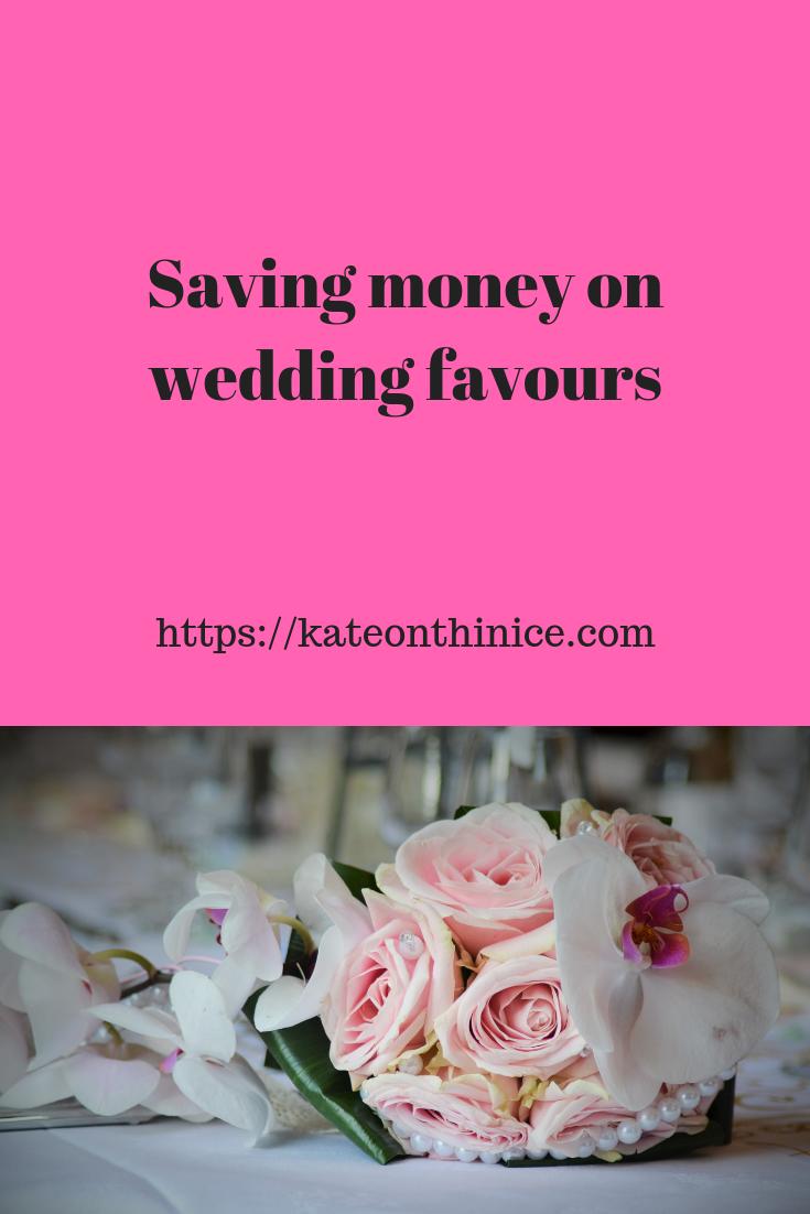Saving Money On Wedding Favours